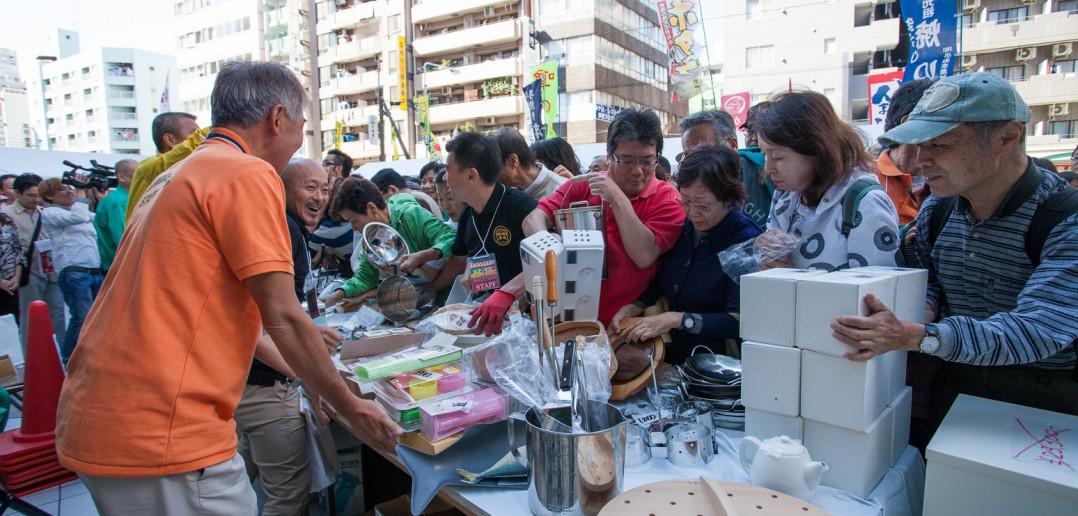 Tokyo Kappabashi utensil festival (article by amuzen)