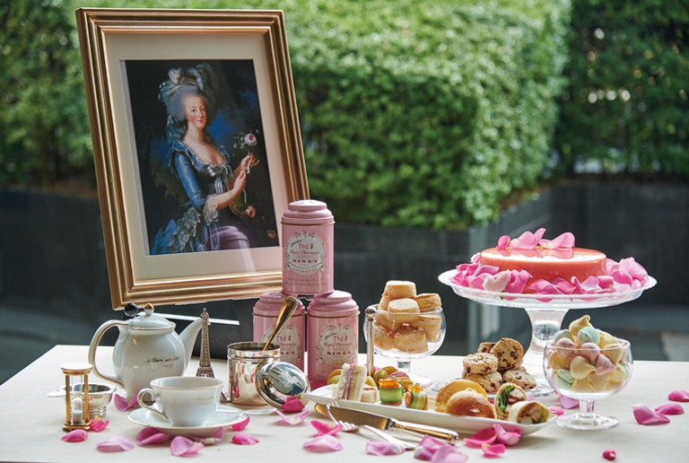 """Special dinners & deserts inspired by """"Marie-Antoinette"""" exhibition (amuzen article)"""