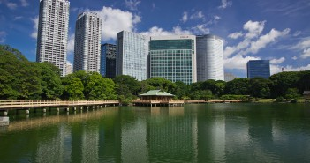 New Year at Hama-rikyu Garden (amuzen article)
