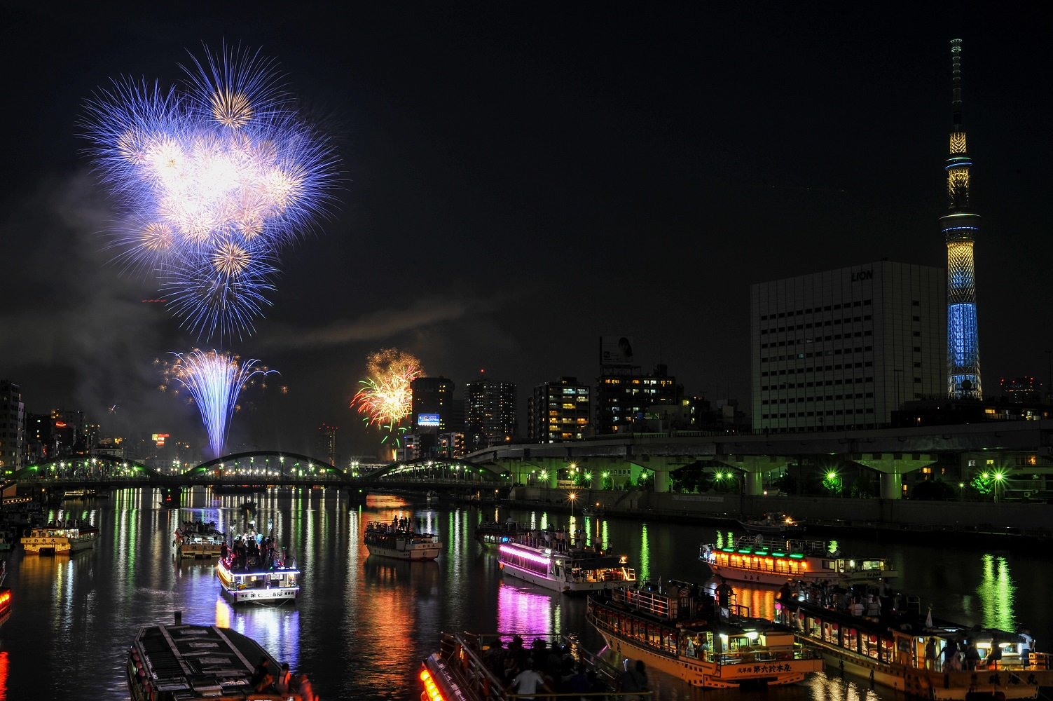 40th Sumida River Fireworks Festival 2017 (amuzen article)