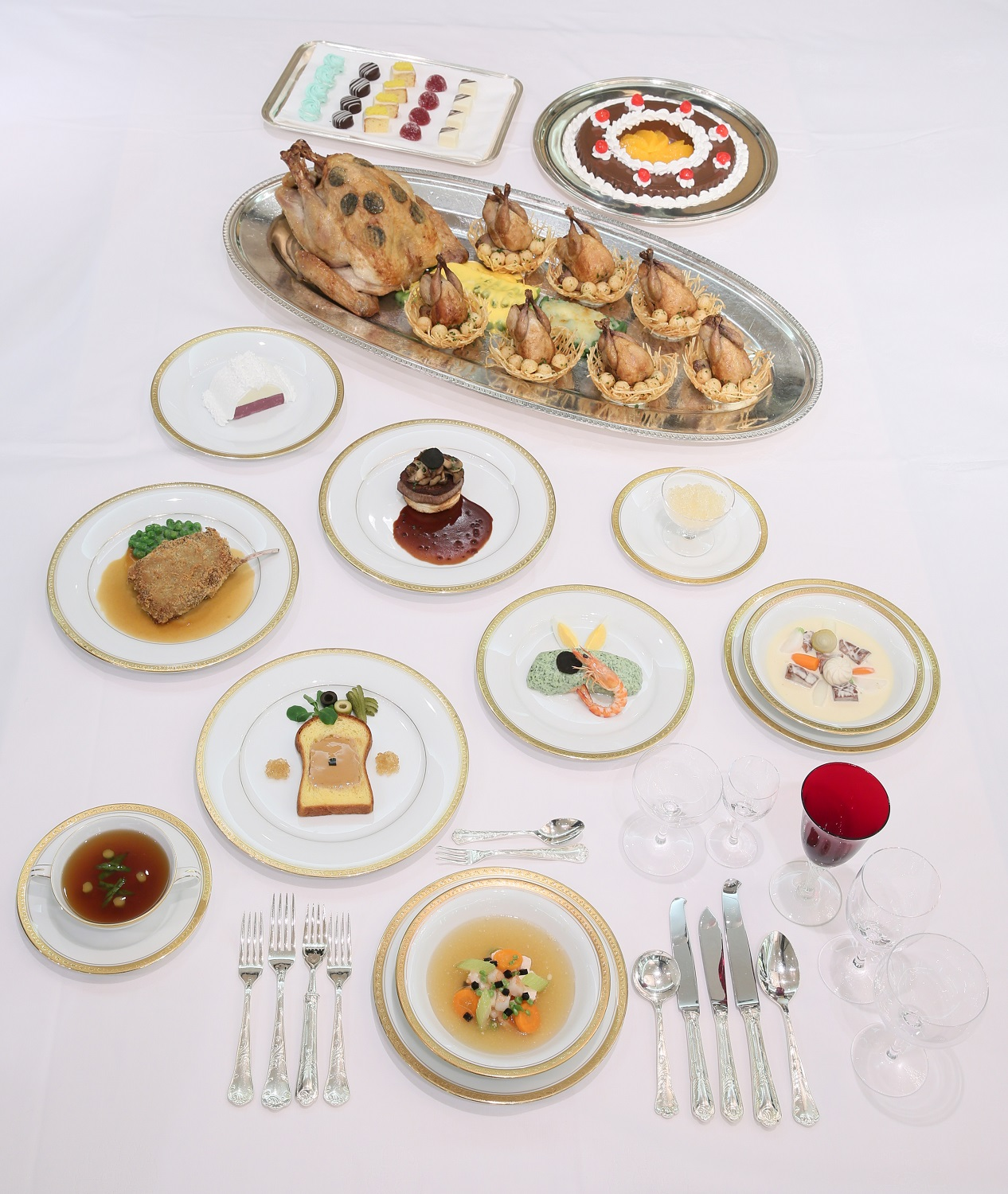 """""""Dining Hall of the Meiji Imperial Court"""" at Meiji Kinenkan (amuzen article)"""