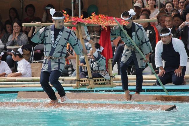 """Balancing on squared logs of Kiba (""""Kiba-no-kakunori"""")"""